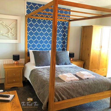 Four Poster Bed | Guesthouse | B&B | Hotel Fossil Tree Blackpool
