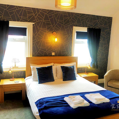 Large King Size Bed | Luxury Bedroom | Guesthouse | B&B | Hotel Blackpool | Fossil Tree